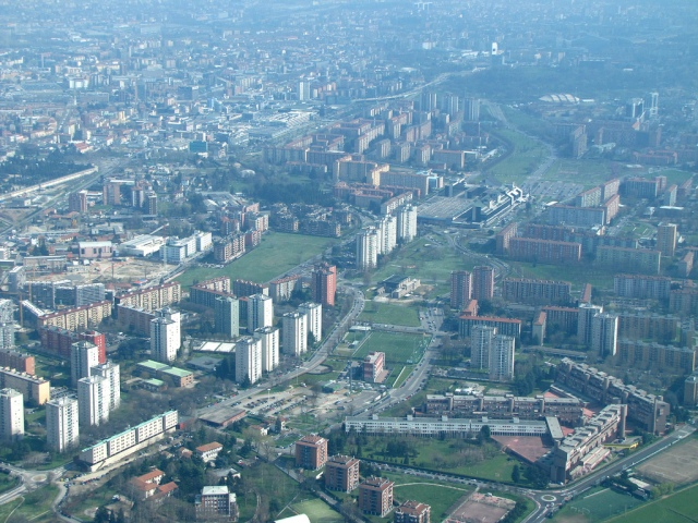 Milan, Gallaratese district - SkyscraperCity